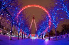 #WADcausemarketing London Eye goes red for World Aids Day.