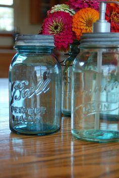 I could totally make this @Maureen Mills Mills Schroeder  ( THANK YOU For sharing!!! ) Blissfully Content: Make a Canning Jar Soap Dispenser