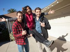Love this behind-the-scenes photo of #TeamJonathan! There's even more on @hgtv .com!