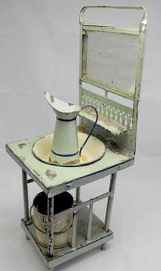 Vintage tin toy washbasin set from 1900s.