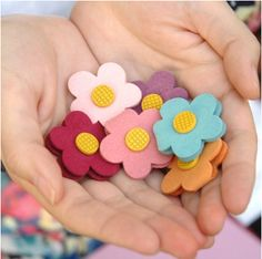 Daisy Earphone Organizer - um possible can make this myself