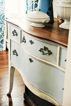 Louis Blue & Old White Buffet from Miss Mustard Seed(be sure to check out all of Marian's Chalk Paint posts!)