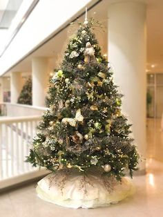 Fantasy Tree - the decorations for this tree are just beautiful