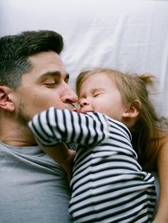famili, daughters, fathers, father daughter, daddy daughter, kisses, daddi lil