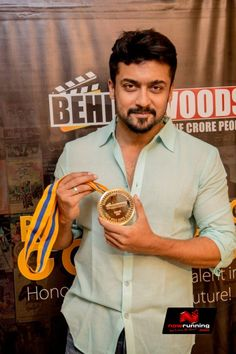 Suriya At Behindwoods Gold Medals 2013