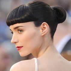 What do you think of Rooney Mara's short, blunt bangs? She sure has the #face for it! // #celebrity #beauty #hair