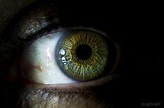 green eye by Lynda
