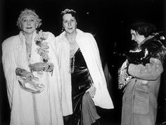 One of my favorite Weegee shots  http://museum.icp.org/museum/collections/special/weegee/
