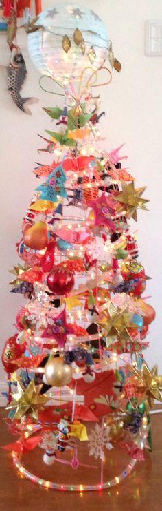 Unusual, up-cycled, (tomato cage) alternative Christmas tree/decor Pamela Reinhardt christma tree, christma idea, tomato cage crafts, altern christma