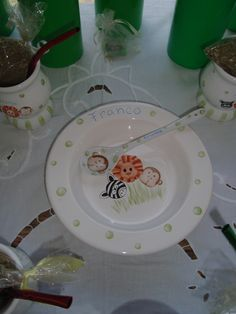 Vajilla para el cumpleañero. Jungle party  http://antonelladipietro.com.ar/blog/2011/11/animales-de-la-selva/