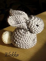Ravelry: Knit Bunnies pattern by Artsy Fartsy Mama
