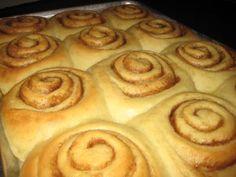 vanilla pudding cinnamon rolls with cream cheese frosting