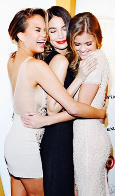 Lily Aldridge With Chrissy Teigen And Nina Agdal