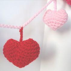 CROCHET N PLAY DESIGNS: Free Crochet Pattern: Valentine Garland
