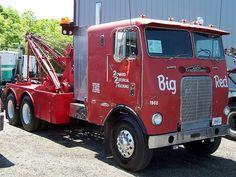 Freightliner COE Wrecker by gdmey, via Flickr