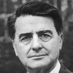 Born May 7, 1909, physicist and inventor Edwin Land attended Harvard University briefly before setting up his own laboratory to study light polarization and to create filters for sunglasses and cameras. He founded the Polaroid Corporation in 1937 and introduced its instant camera with self-developing film in 1947. Harvard awarded Land an honorary degree in 1957.