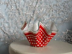 1950's Handkerchief Vase  Chance Glass by haremofpeacocks on Etsy, £10.00