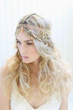 Bohemian headpiece | Lara Hotz Photography for Hitched Magazine | http://burnettsboards.com/2013/11/bird-paradise-indie-wedding-inspiration/