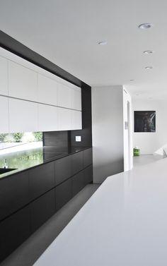 Black and white minimalistic kitchen