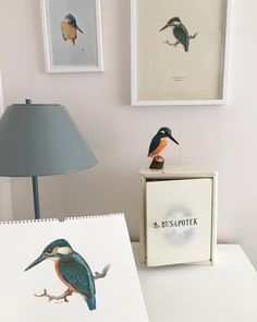 @retrocolor is making our #carved #kingfisher feel right at home with the flock.