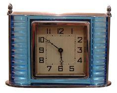 Glass and chrome Art Decó clock