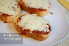 Recipe - Garlic Bread Pizza - Mommy Hates Cooking