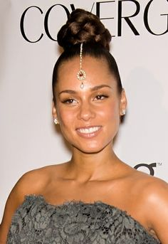 Alicia Keys dramatic hairstyle