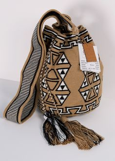 LA CANO WAYUU SHOULDER BAG