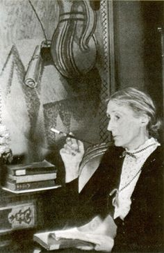 Virginia Woolf Reads.