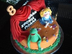 Kermit and Miss Piggy Cake!!!! By 25ANO on CakeCentral.com piggi cake