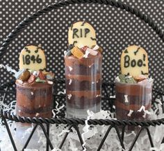 Push Up Cake Grave Yard