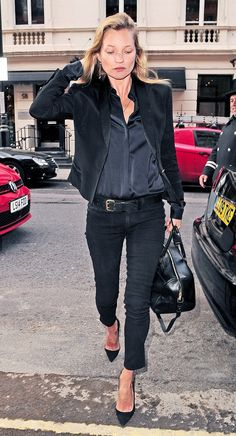 This is how you do all black: Kate Moss via @Who What Wear