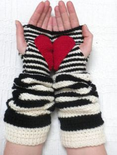 "Crochet ""Gave you my heart"" Cream-Black Stripe Arm Warmers Fingerless Gloves"