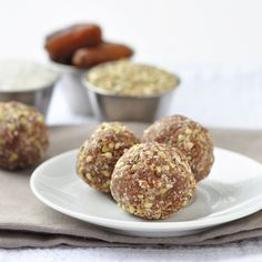 buckwheat balls with dates, coconut and buckwheat = perfect healthy snack
