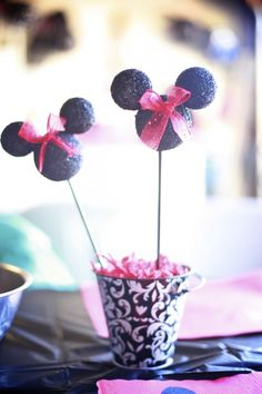 DIY Minnie Mouse Treat!