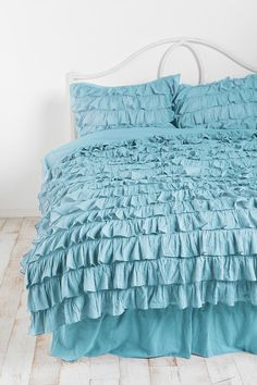 waterfall ruffle duvet cover in blue urban outfitters