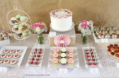 Mesa dulce primer cumpleaños con fresas
