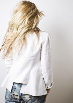 White blazer and jeans ♥
