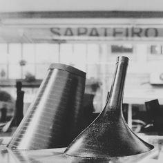 Sapateiro (The shoemaker)