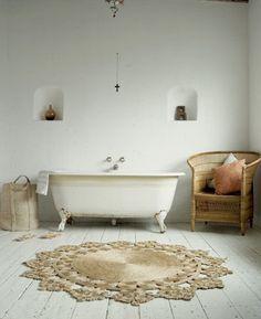 tub, rug, chair