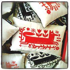 Tracy Walker Illustration - JOURNAL... fun, foxy pillows by Tracy Walker! #tracywalker #surfacedesign #pattern