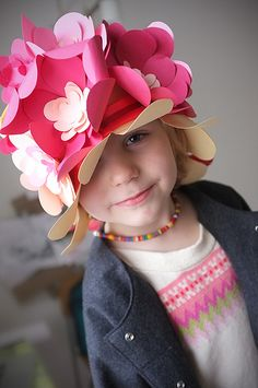 Floral hat ~ Sombrero con flores de papel