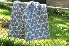 Wholecloth baby quilt: Quick project to sew in a day! #baby #quilts
