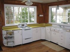 Vintage kitchen on pinterest 1950s kitchen retro for Kitchen cabinets youngstown ohio