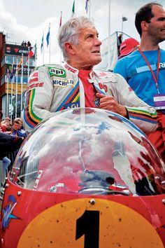 Giacomo Agostini on a vintage MV Agusta at the Isle of Man. Cool.