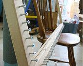 rug weaving diy, art project, rug frame, weaving rugs, potholder rugs, pothold rug, craft idea, crispina pothold, diy stuff