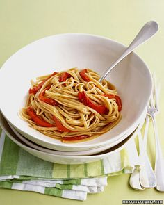 A generous dose of hot red-pepper flakes provides a spicy contrast to sweet red bell peppers -- Spicy Whole Wheat Linguine with Red Peppers Recipe