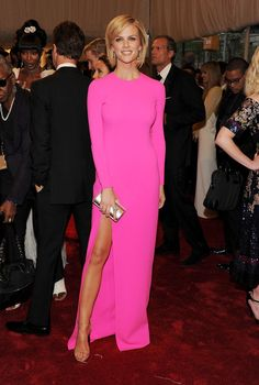 Brooklyn Decker's Hottest Red Carpet Looks - StyleBistro