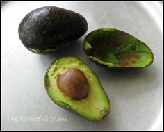 Keep Avocados From Turning--ThePeacefulMom.com