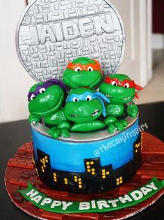 TMNT cake! #tmnt #ninja #turtles #teenage #mutant #fondant #donatello #leonardo #michaelangelo #raphael #cake